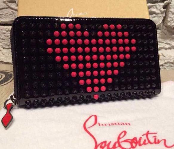 クリスチャンルブタン財布スーパーコピーLBTQB012