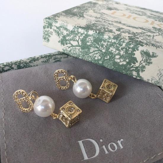DiorイヤリングDREH101