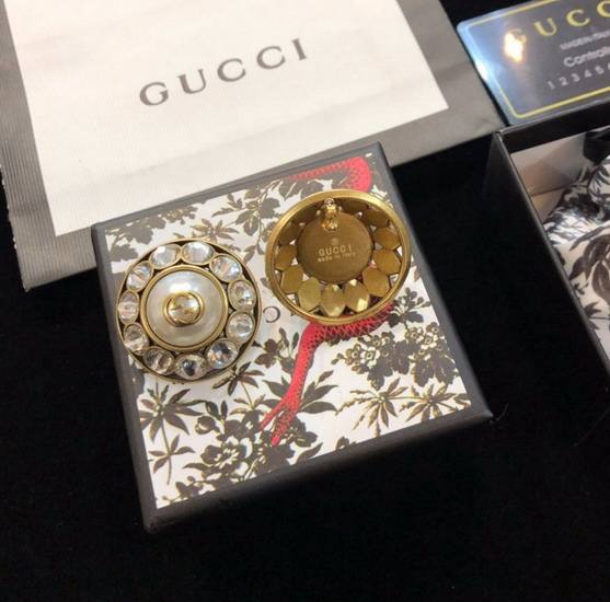 Gucci イヤリンGUEH055