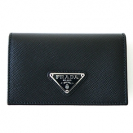 財布 コピー プラダ カードケース/名刺入れ 型押しレザー ロゴプレート付き ブラック 1M1122