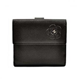 (CHANEL)シャネル コピー 財布 二つ折り財布 COCOマーク カメリア A46507