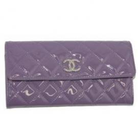 財布 コピー シャネル A48701 パテント ブリリアントCCメタル付きフラップロングウオレット 紫 新品 CSKS155
