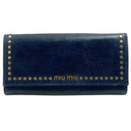 財布 コピー ミュウミュウ 長財布 二つ折りフラップ スタッズ ハートチャーム レザー ダークブルー5M1109
