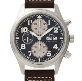 コピー腕時計 IWC パイロットウォッチ クロノグラフ アントワーヌ ド サンテグジュペリIW371709