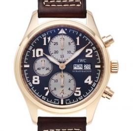 コピー腕時計 IWC パイロットウォッチ クロノグラフ アントワーヌ・ド サン-テグジュベリIW371711
