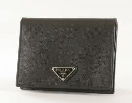 財布 コピー プラダ サフィアーノ ORO 二つ折財布 ブラック M668A