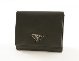 財布 コピー プラダ サフィアーノ ORO 三つ折財布 ブラック M176A