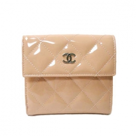 (CHANEL)シャネル コピー激安財布 エナメルマトラッセ二つ折財布 ベビーピンク A48980