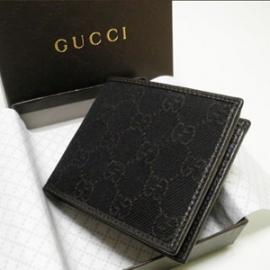 グッチコピー 二つ折り財布 GGキャンバス×型押しカーフ 231847 F5DI0 1086