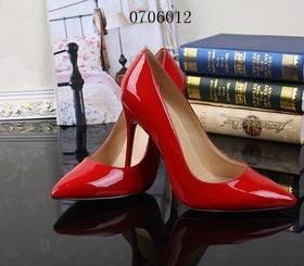 クリスチャンルブタン靴コピーSTLBxie107
